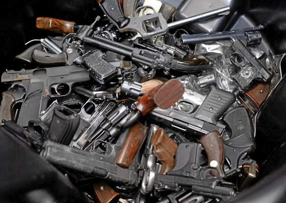 LAPD-gun-buyback-pile